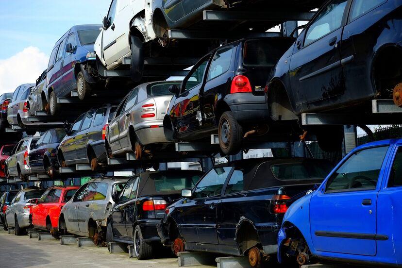 Kasserte biler leveres i Årødalen